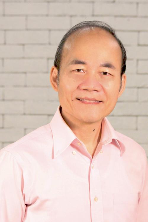張德明牧師 Edmund Cheung